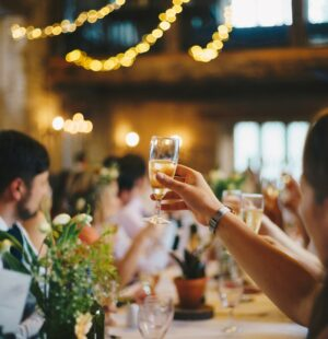 5S2103 Bar and Restaurant Services - Essentials